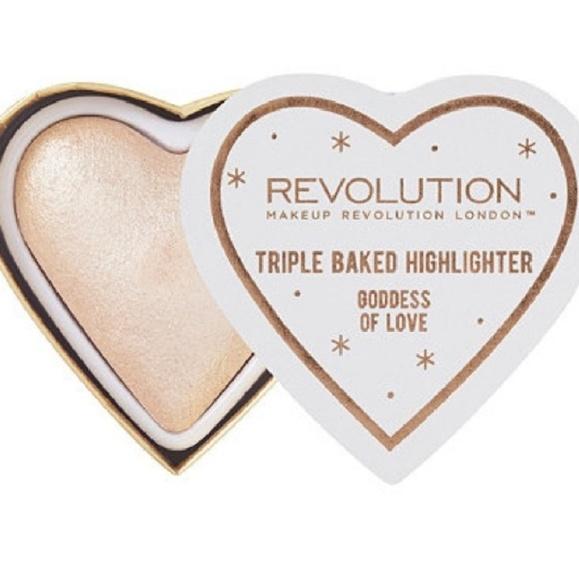 Makeup Revolution Goddess of Love Highlighter. M_5ade09608290af8a60a17624